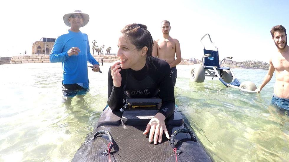 """""""אני משתמשת בהרבה יותר שרירים כשאני נמצאת בים. יש לי חופש תנועה הרבה יותר גדול במים"""" (צילום: רם סטבינסקי)"""