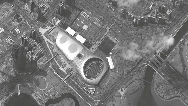 סין כלי רכב צבאיים אצטדיון ב עיר שנג'ן ליד הונג קונג (צילום: רויטרס)