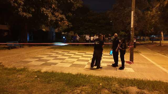חשד לרצח: זירת הירי ברמלה  (צילום: דוברות המשטרה )