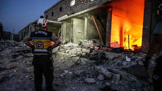 סוריה הפצצה דרום אידליב (צילום: AFP)