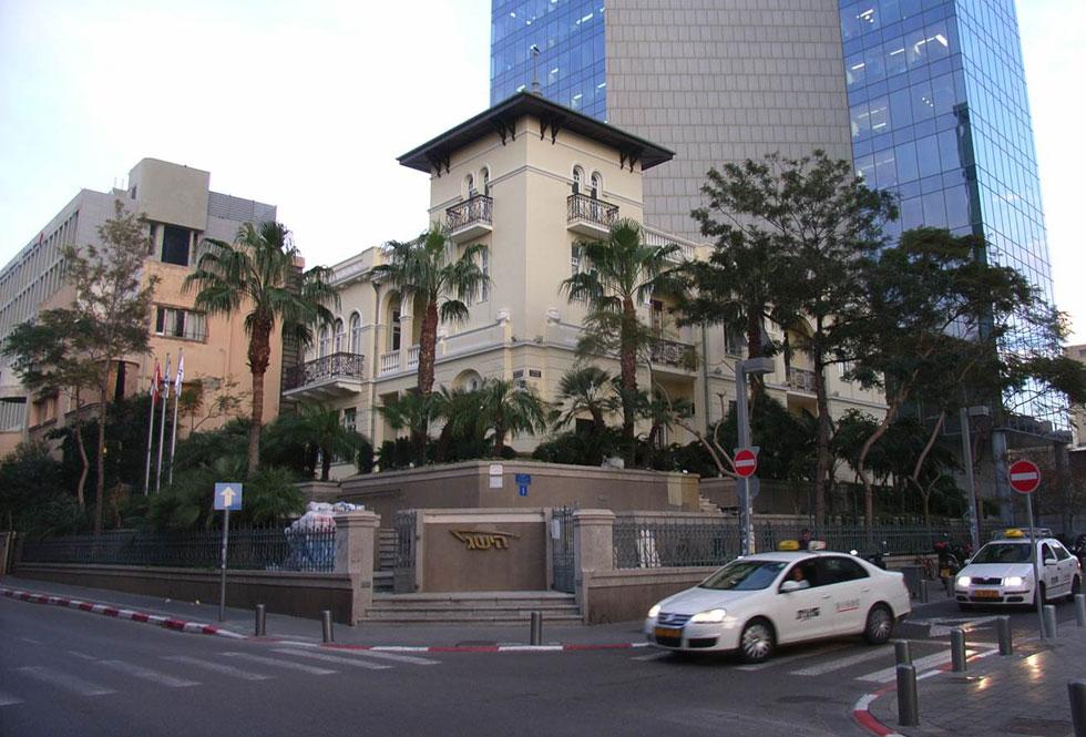 בית לוין בשדרות רוטשילד. אחד הארמונות הפרטיים האחרונים ששרדו מימיה הראשונים של תל אביב (צילום: מיכל בר אור באדיבות: אמנון בר אור - טל גזית אדריכלים)