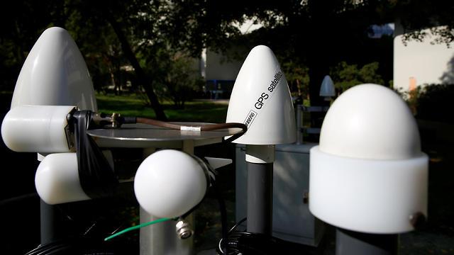 חיישנים לניטור קרינה רדיואקטיבית בווינה (צילום: רויטרס)