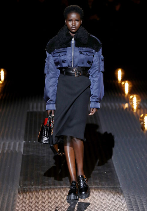 הזוכה בפרס דוגמנית השנה בטקס פרסי האופנה הבריטיים: אדוט אקץ' (צילום: Tristan Fewings/GettyimagesIL)