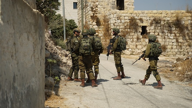 IDF troops searching for the terrorists behind the West Bank attack that killed Rina Shnerb (Photo: IDF Spokesperson's Unit)