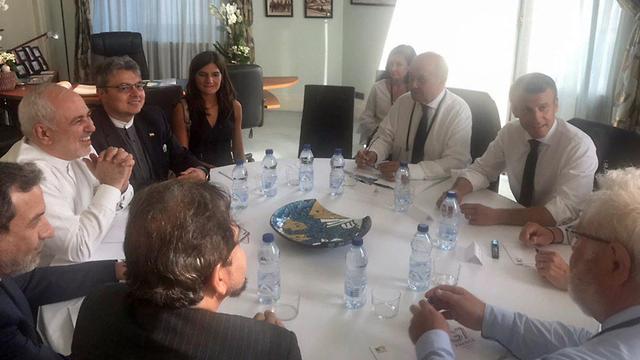 עמנואל מקרון  ז'אן-איב לה דריאן  מוחמד ג'וואד זריף  איראן  צרפת ביאריץ  G7 (צילום: EPA)