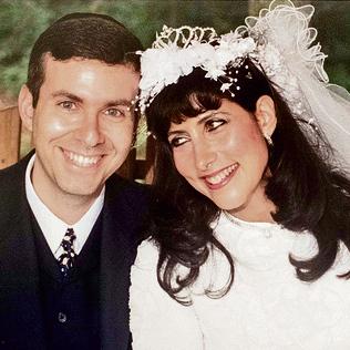 """בחתונה עם ישראל מאיר קין. """"גיליתי שהכל הצגה"""""""