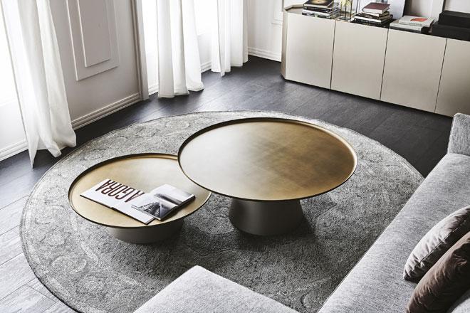 בחרתם בספה ריבועית? שולחן קפה עגול ירכך את המראה הכללי ויהווה ניגוד לפינות. ''קטלן איטליה''