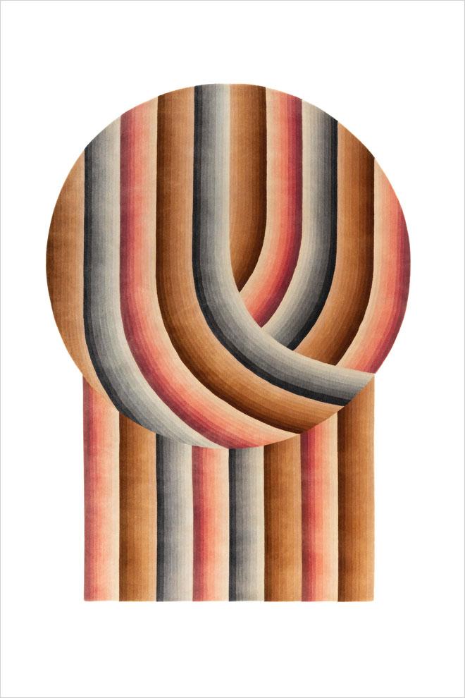 ושטיח בעיצובה של פטריסיה אורקיולה. ''הביטאט''