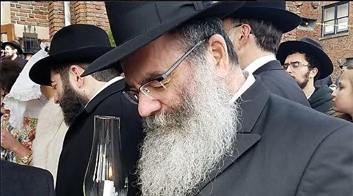 הרב אברהם גופין. הותקף בפארק