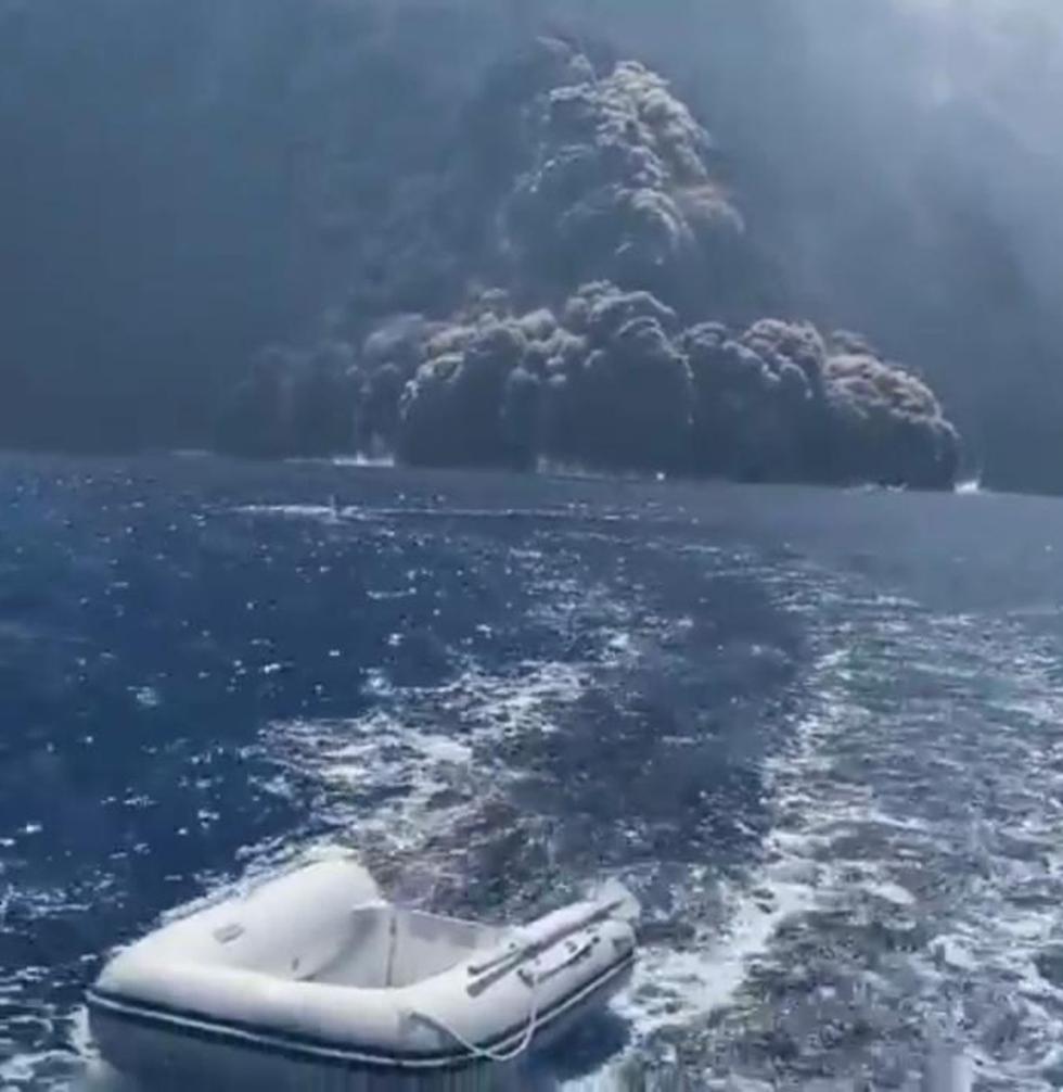 הר געש התפרצות געשית של סטרומבולי ב איטליה  ()