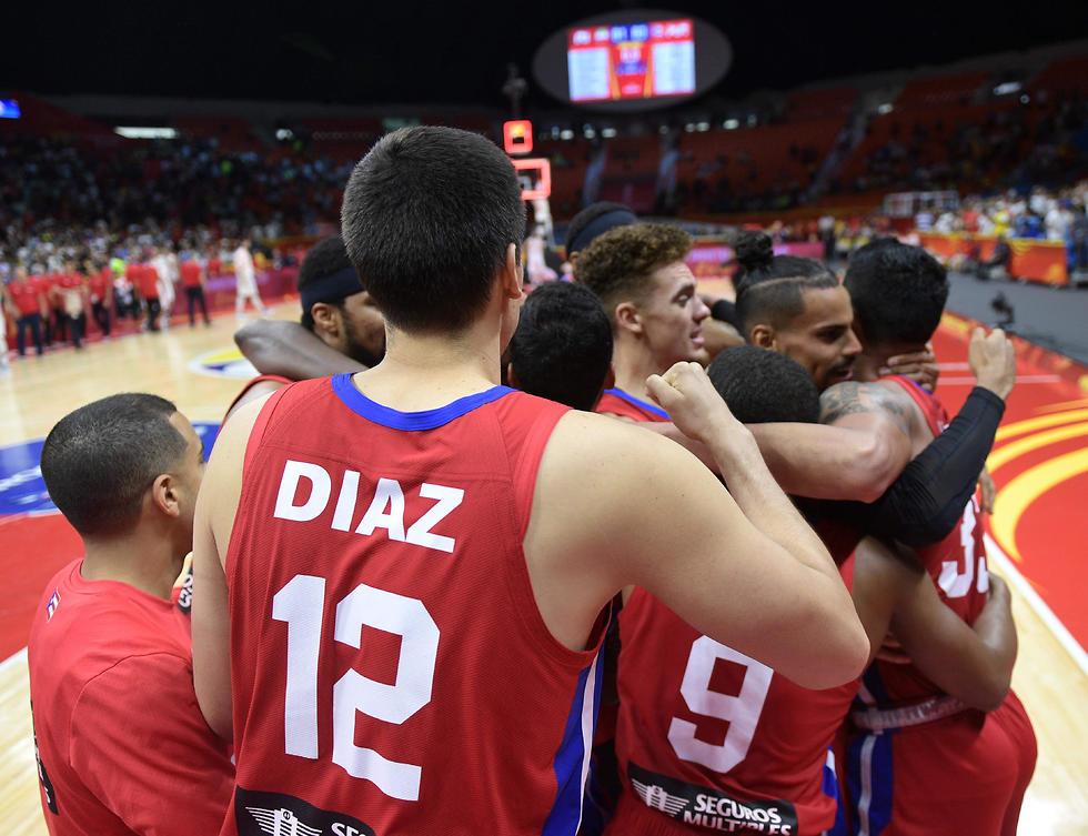 שחקני נבחרת פורטו ריקו חוגגים (צילום: AFP)