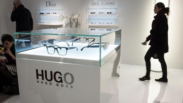 משקפי ראייה של הוגו בוס (צילום: shutterstock)