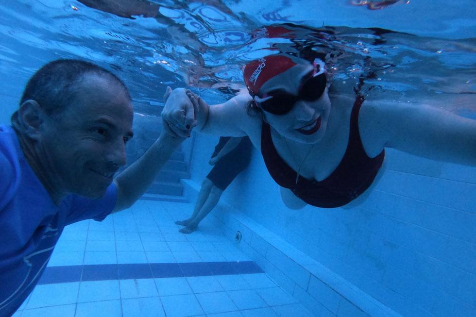 """ענת ואורי המדריך מתחת למים. """"זה בגלל שאת צפה יותר מדי טוב"""""""