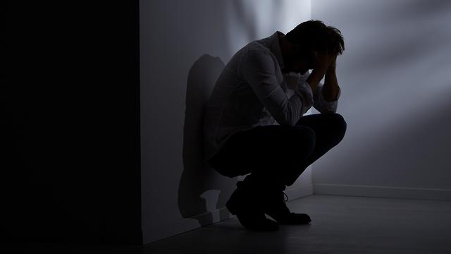 התאבדויות התאבדות אובדנות גברים  (צילום: shutterstock)
