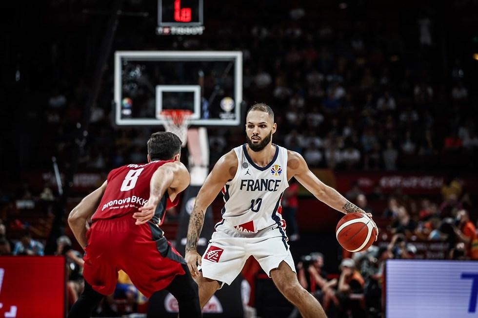 אוון פורנייה (צילום: FIBA.COM)