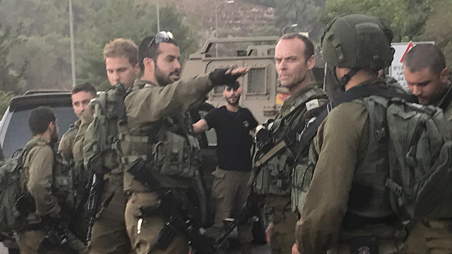 GOC Northern Command Amir Baram, center, on the northern border (Photo: IDF Spokesperson's Unit)