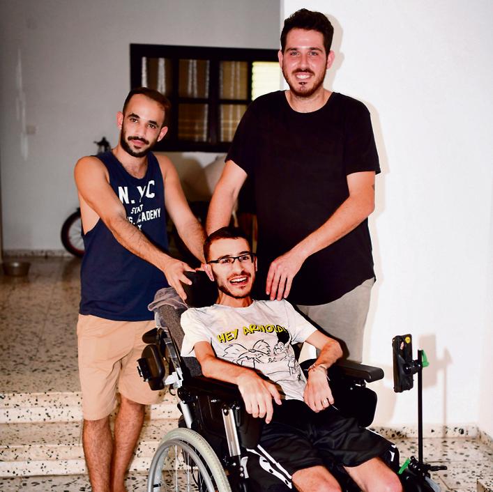 החברים פתחו בקמפיין מימון המונים. אבינועם בוכריס וחבריו (צילום: יאיר שגיא)