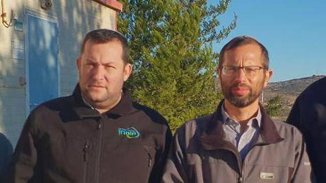 ישראל גנץ ראש מועצת בנימין עם יוסי דגן ראש מועצת שומרון (צילום: רועי חדי )