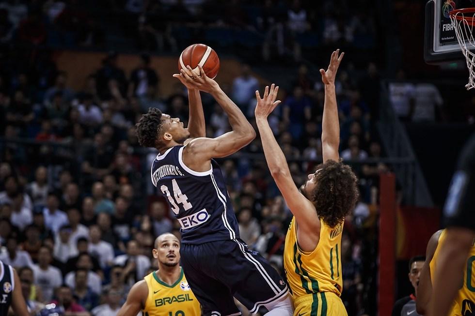 יאניס אנדטוקומבו (צילום: FIBA.COM)