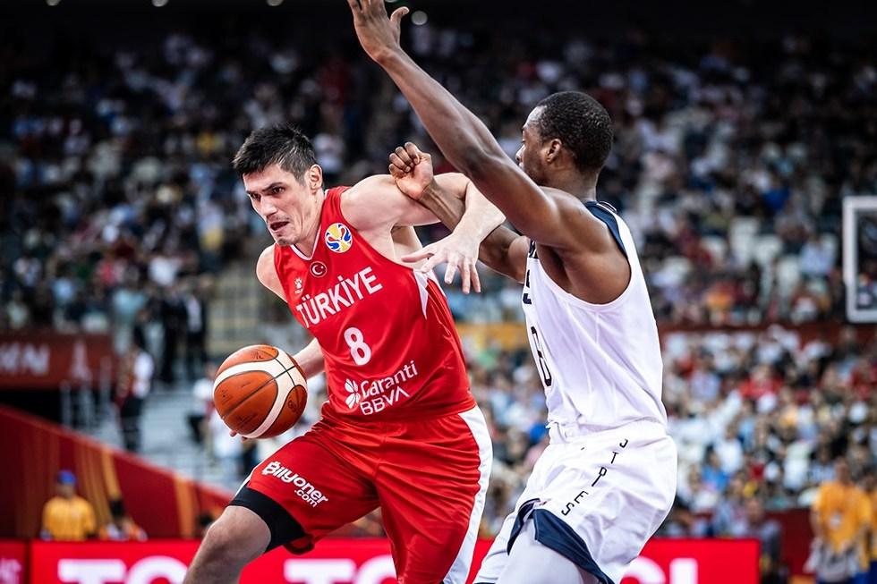 ארסן אליאסובה (צילום: FIBA.COM)