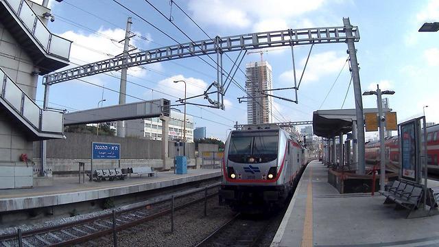 נסיעת המבחן הראשונה של הקו החשמלי מירושלים לתל אביב (צילום: רכבת ישראל)
