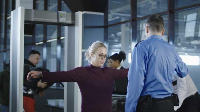 Проверка в аэропорту. Фото: shutterstock
