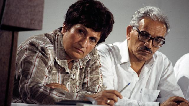 ישראל קיסר ושושנה ארבלי אלמוזלינו 1988 (צילום: שלום בר טל)