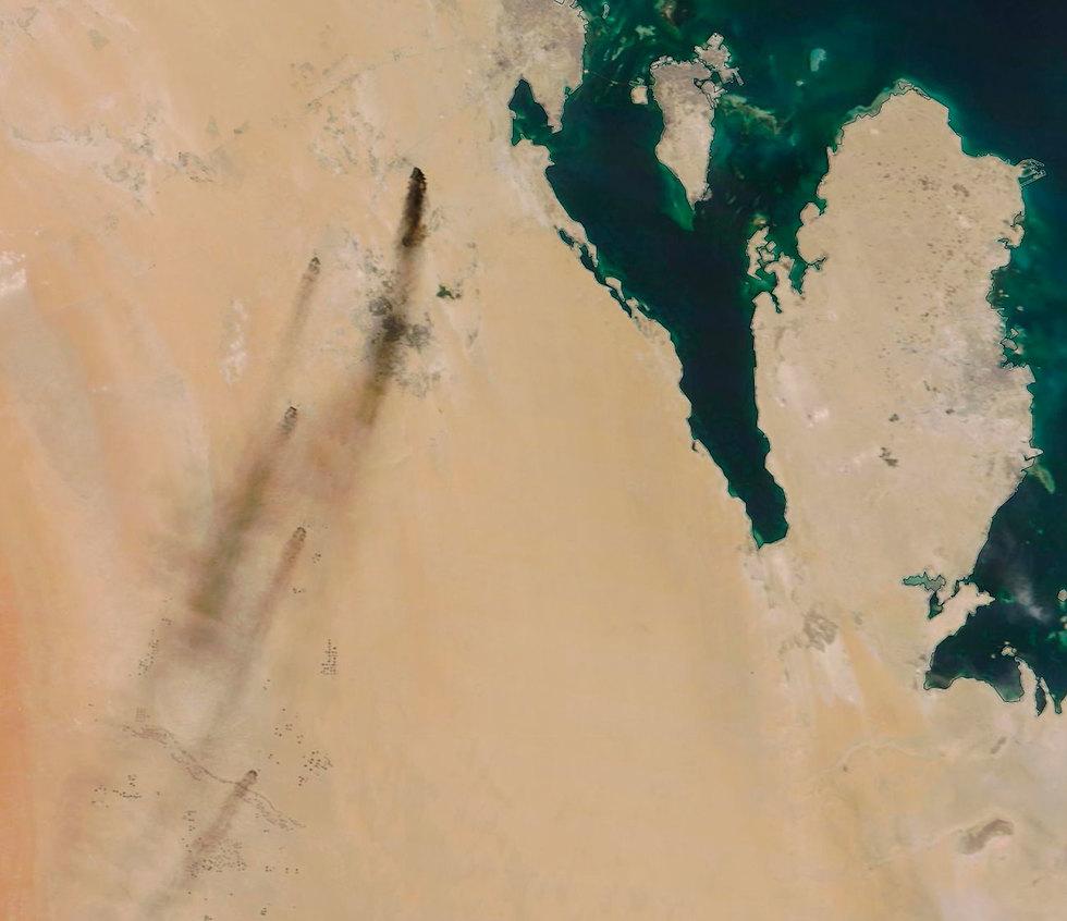 ה מורדים ה חות'ים ב תימן הפציצו ב סעודיה תקיפה בית זיקוק אבקאיק  (צילום: AP)