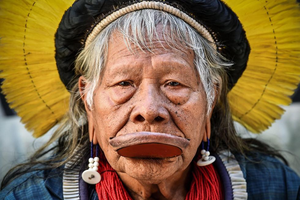 ראוני מטוקטירה מנהיג שבט קיאפו ברזיל מועמד לפרס נובל לשלום (צילום: AFP)