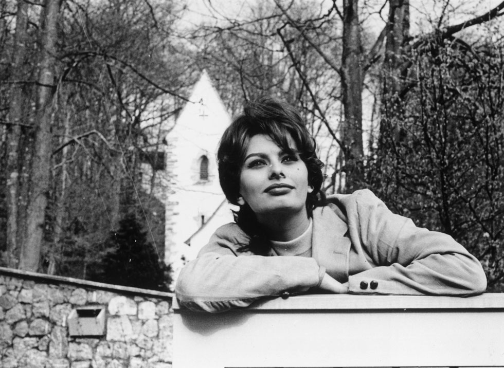 הנציגה המובהקת ביותר של הקולנוע האיטלקי. סופיה לורן, 1959 (צילום: Keystone Features/GettyimagesIL)