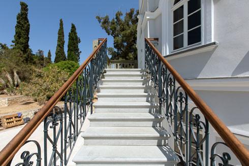 המדרגות שומרו (צילום: דור נבו)