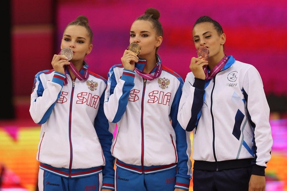 לינוי אשרם על הפודיום באליפות העולם (צילום: אורן אהרוני)