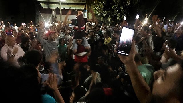 הפגנות מחאה ב קהיר מצרים נגד נשיא עבד אל פתאח א סיסי (צילום: AP)