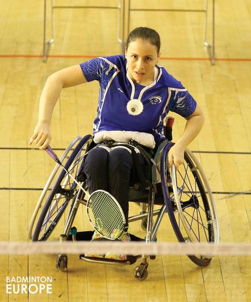 """גורודצקי בפעולה.  """"אין מאמן שלא ירצה ספורטאית הישגית כמוה"""" (צילום: באדיבות BADMINTON EUROPE)"""
