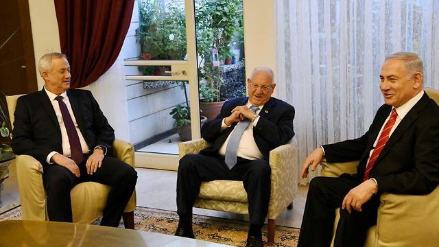 L-R: Benny Gantz, Reuven Rivlin and Benjamin Netanyahu meeting at the president's official residence in Jerusalem last month (Photo: GPO)