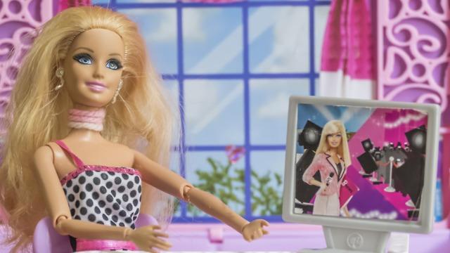 Барби - любимая кукла прошлого поколения детей
