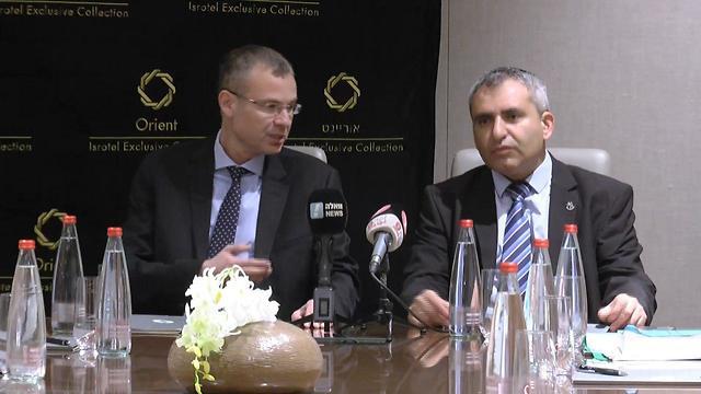 ישיבת צוותי המשא ומתן כחול לבן והליכוד (צילום: משה מזרחי)