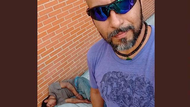 מקסיקו נשדד היכה גנב ו צילם סלפי ()
