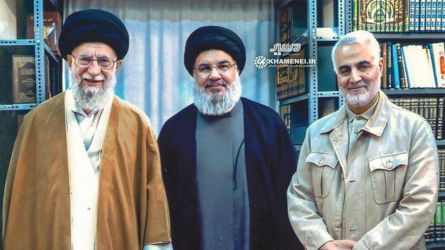 מימין קאסם סולימאני מפקד כוח קודס חסן נסראללה עלי חמינאי איראן חיזבאללה ()