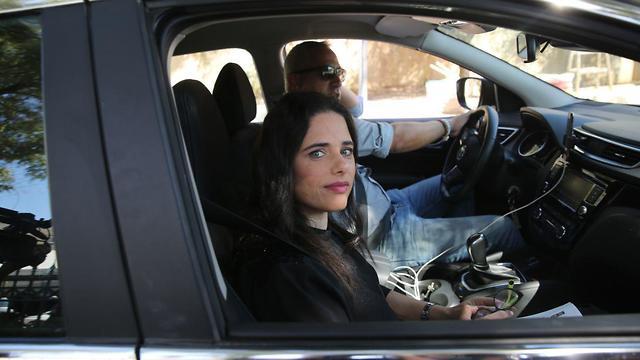Ayelet Shaked arrivng for a meeting with Benjamin Netanyahu on Wednesday morning (Photo: Alex Kolomoisky)