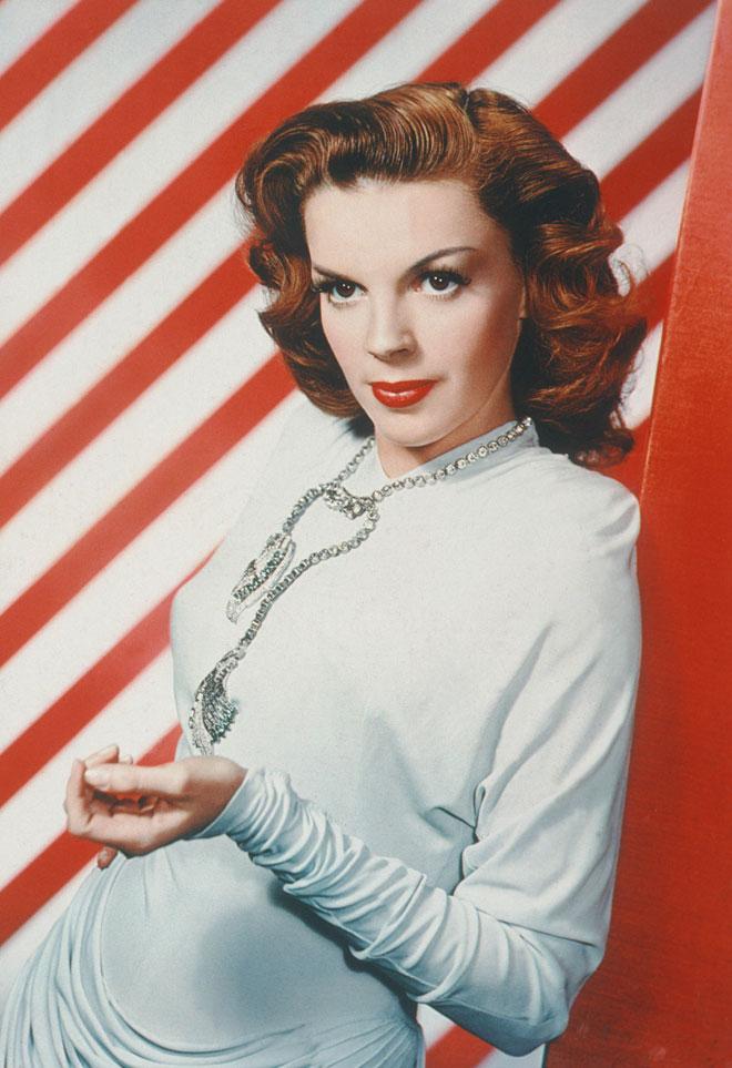 הדימוי העצמי הנמוך שלה טופח והוזן על ידי קברניטי האולפנים ההוליוודיים, פשוט כי הם יכלו לעשות זאת. 1948 (צילום: rex/asap creative)