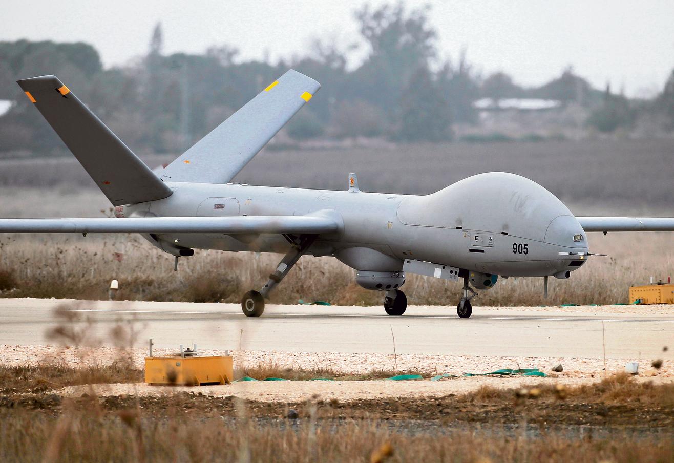 """מל""""ט מסוג הרמס 900 . מערך המל""""טים תופס כ־ 70 אחוז מכלל שעות הטיסה של חיל האוויר צילום: איי־אפ־פי"""