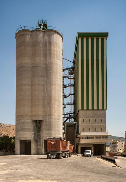 וגם החברה הערבית, כפי שיעיד הסילו של אכסאל, בעמק יזרעאל (צילום: צחי אוסטרובסקי)