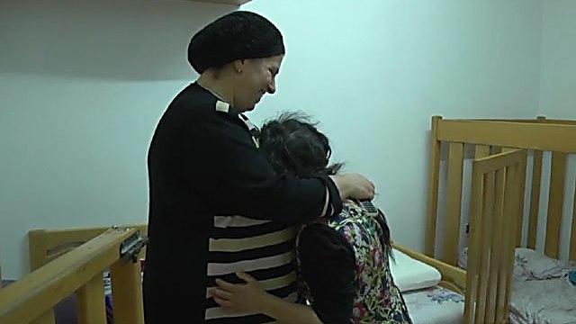דינה כהן והבת אפרת ( )