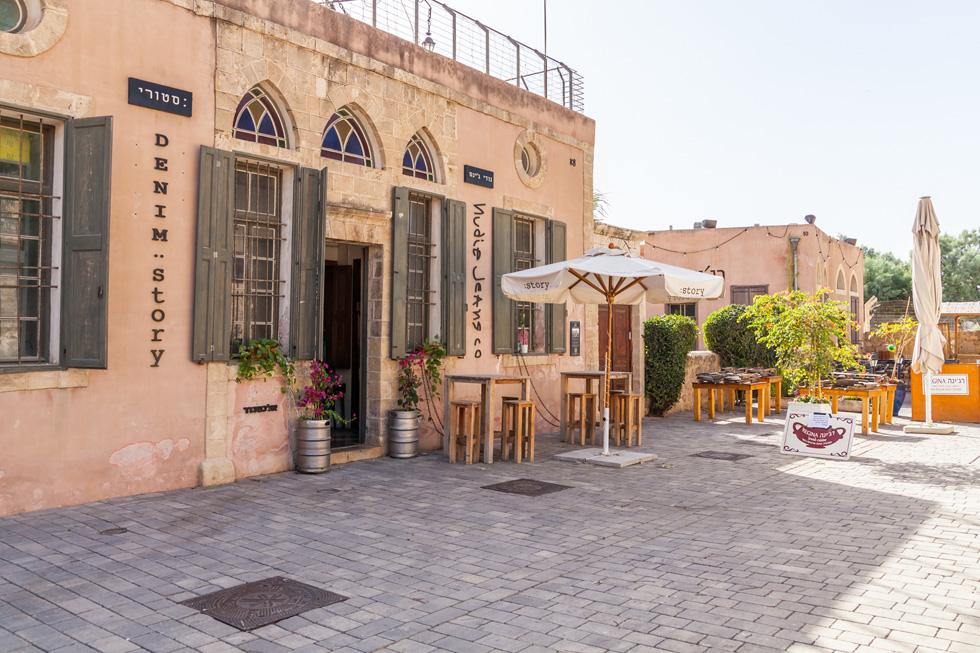 """חנות סטורי דנים במתחם התחנה בתל אביב. """"התלבטנו האם להמשיך לחוזה נוסף ובשיחה עם החברה אמרו לנו: 'תחסכו את ההתלבטות, אנחנו משנים את הייעוד של המקום. יש חברה שלוקחת את כל המבנים'"""", אומר אורי רייז  (צילום: Kvitka Fabian / Shutterstock)"""