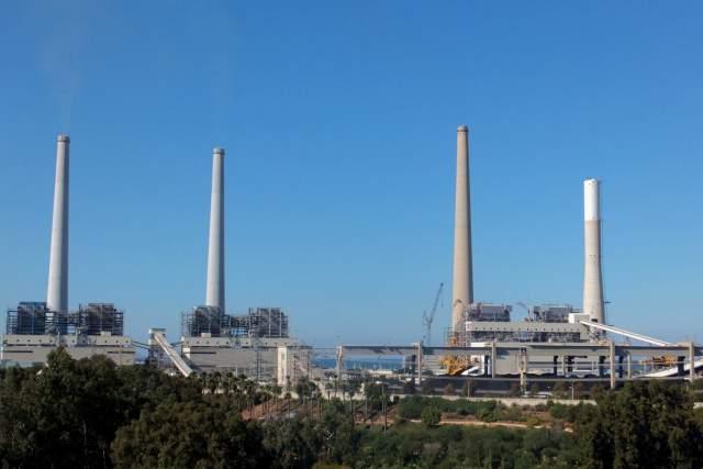 Вид на электростанцию. Фото: Леон Левитас