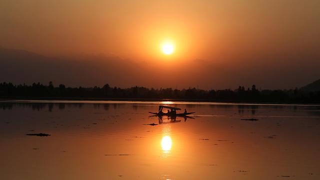 שקיעה הודו קשמיר (צילום: EPA)