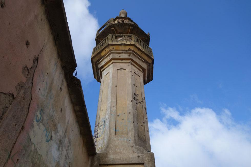 המסגד של חושניה. כאן התפללו אנשי הכפר הצ'רקסי עד מלחמת ששת הימים. היא ומלחמת יום הכיפורים הותירו את חותמן בכפר ובמבנה (צילום: מיכאל יעקובסון)