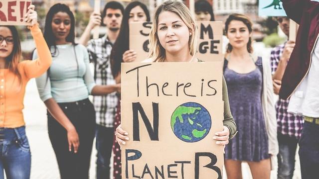 הפגנה נגד ההתחממות הגלובלית (צילום: shutterstock)