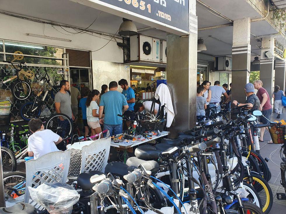 Магазин электровелосипедов в Рамат-Гане. Фото: Яир Саги